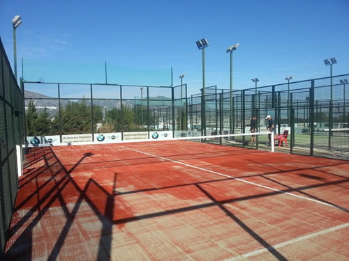 Nueva pista de padel en el Cerrado del Aguila en Mijas Fuengirola